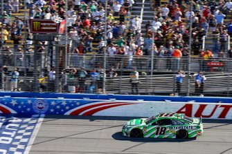 Kyle Busch, Joe Gibbs Racing, Toyota Camry Interstate Batteries drives under the checkered flag to win