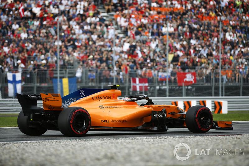 17: Stoffel Vandoorne, McLaren MCL33, 1'22.085