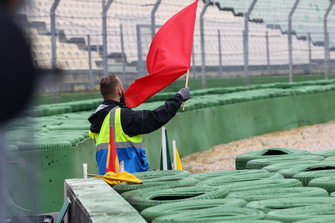 Rote Flagge nach der 2. Runde.