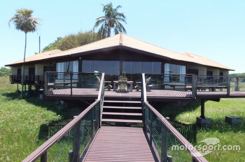 Oncafari Project – Caiman Eco Lodge in Pantanal, Brazil