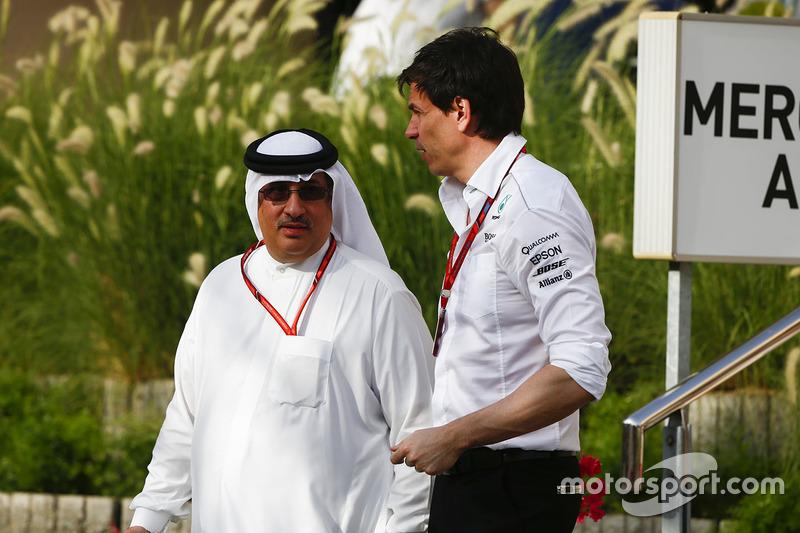 Shaikh Mohammed bin Essa Al-Khalifa with Toto Wolff, Executive Director, Mercedes AMG