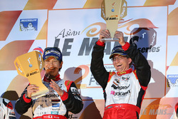 Podium: race winner Shinji Nakano, Nicolas Leutwiler, Race Performance