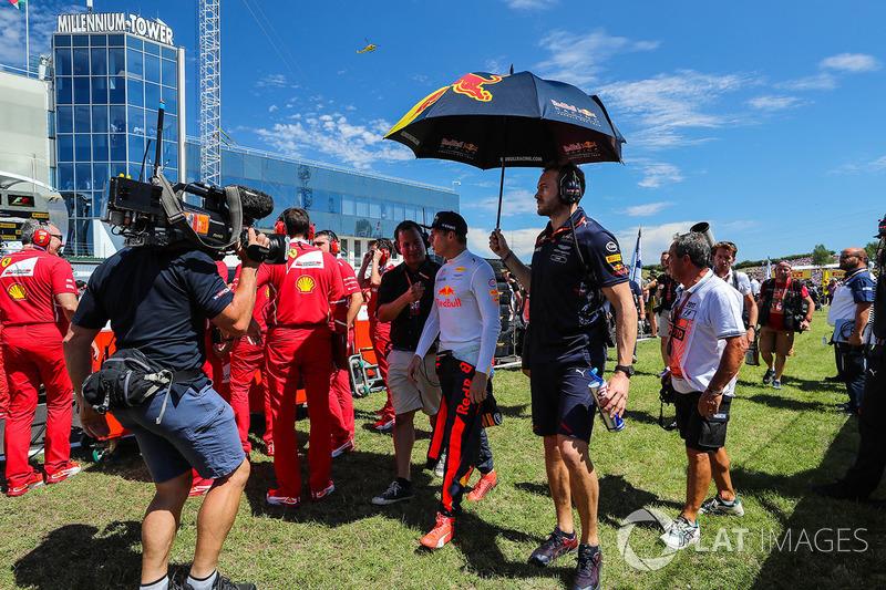 Max Verstappen, Red Bull Racing RB13 en la parrilla