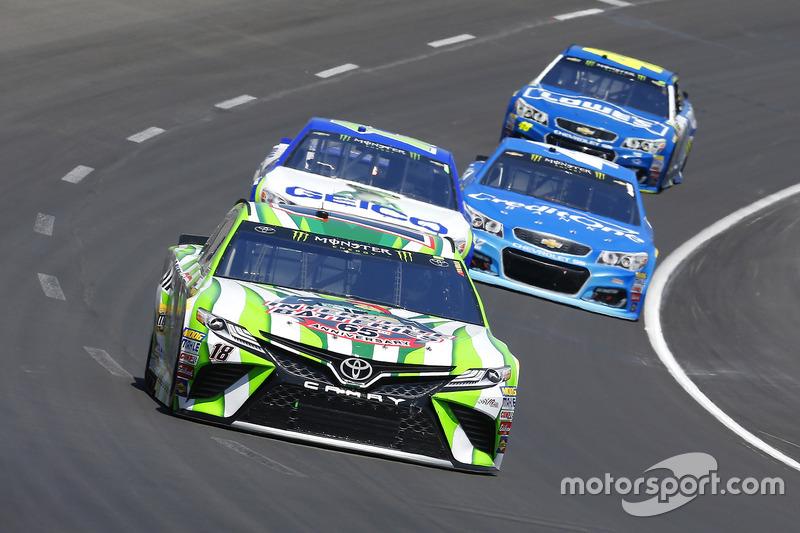 Kyle Busch, Joe Gibbs Racing, Toyota; Ty Dillon, Germain Racing, Chevrolet