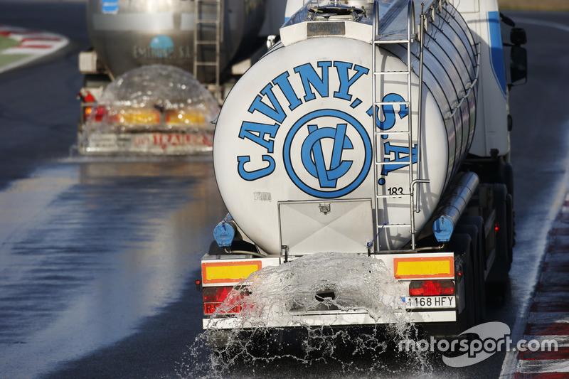 Wet track preperation