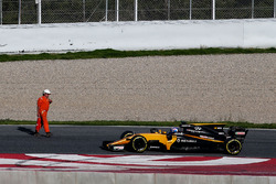 Jolyon Palmer, Renault Sport F1 Team RS17 stops on the circuit