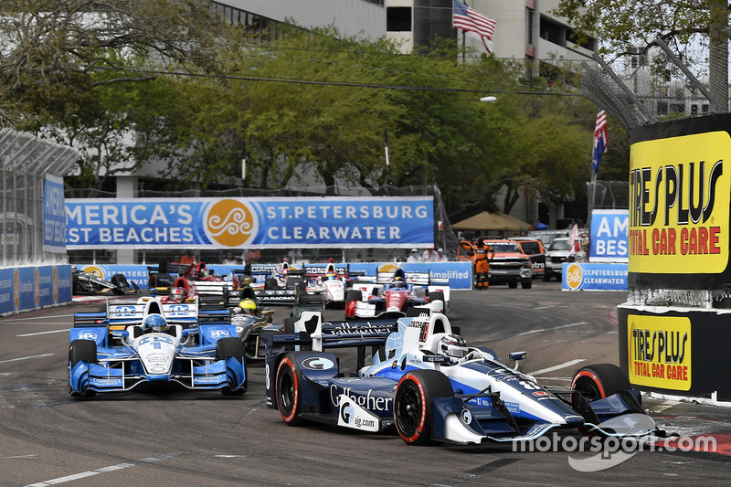 Max Chilton, Chip Ganassi Racing Honda, Josef Newgarden, Team Penske Chevrolet