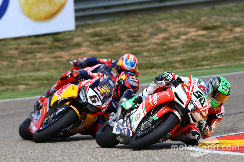 Eugene Laverty, Milwaukee Aprilia World Superbike Team; Stefan Bradl, Honda World Superbike Team