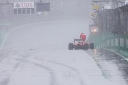 Авария: Кими Райкконен, Ferrari SF16-H