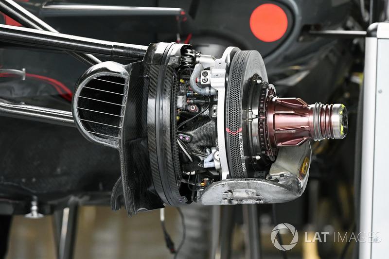 Haas VF-17: Bremsscheibe