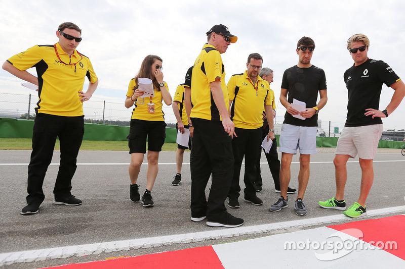 Alan Permane, Renault Sport F1 Team, und Jolyon Palmer, Renault Sport F1 Team