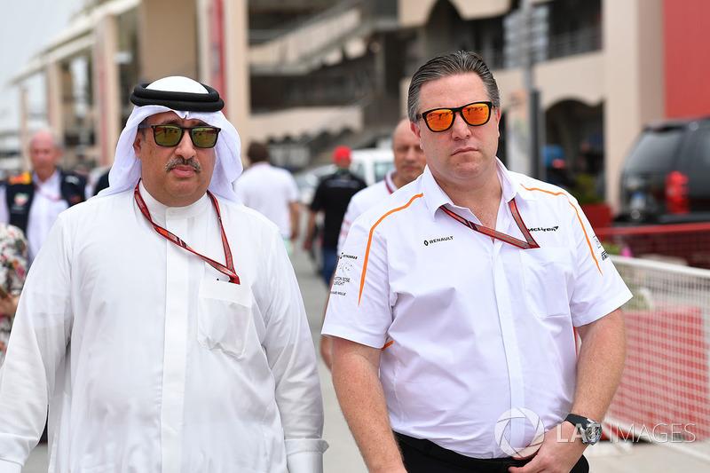 Sheikh Mohammed bin Essa Al Khalifa, director general de la Junta de Desarrollo Económico de Bahrein y accionista de McLaren y Zak Brown, director ejecutivo de McLaren