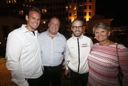 Tom Chilton, Sébastien Loeb Racing, Citroën C-Elysée WTCC. Tiago Monteiro, Honda Racing Team JAS, Honda Civic WTCC