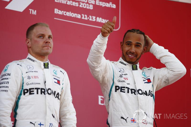 Lewis Hamilton, Mercedes AMG F1, Valtteri Bottas, Mercedes AMG F1, merayakan di podium