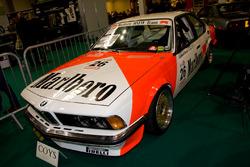Une BMW 635 de course