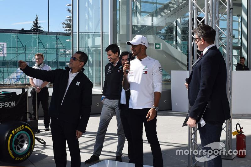 Lewis Hamilton, Mercedes-AMG F1, Toto Wolff, Mercedes AMG F1 Director de Motorsport