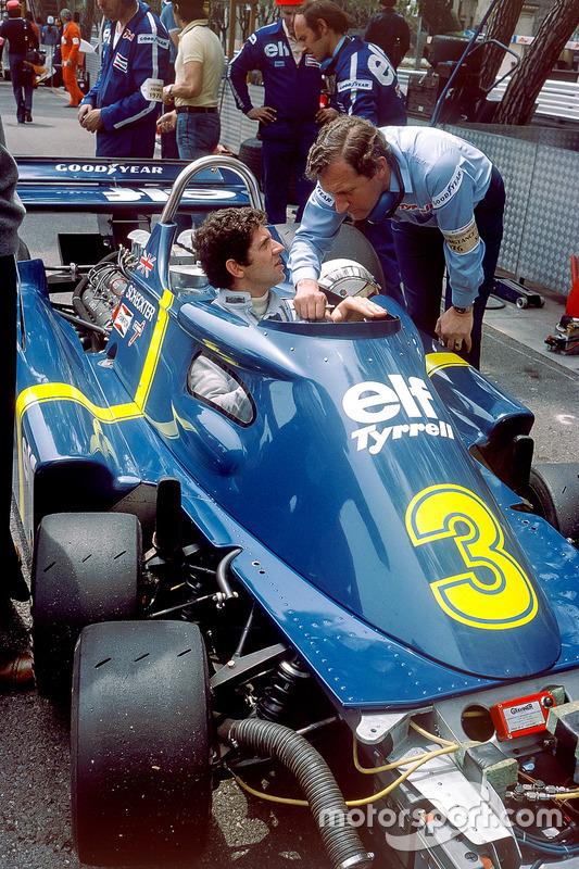 Jody Scheckter, Tyrrell P34, Ford-Cosworth, mit Designer Derek Gardner