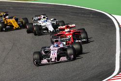 Sergio Perez, Sahara Force India F1 VJM10, Sebastian Vettel, Ferrari SF70H, Felipe Massa, Williams FW40, Nico Hulkenberg, Renault Sport F1 Team RS17