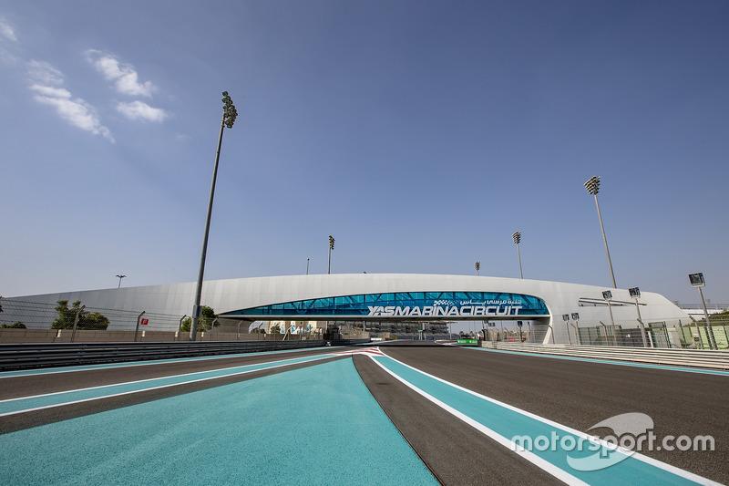 Blick zum Yas Marina Circuit
