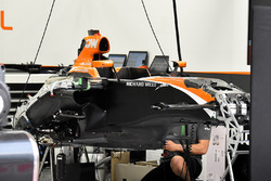 McLaren MCL32: Chassis