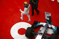Le vainqueur Lewis Hamilton, Mercedes AMG