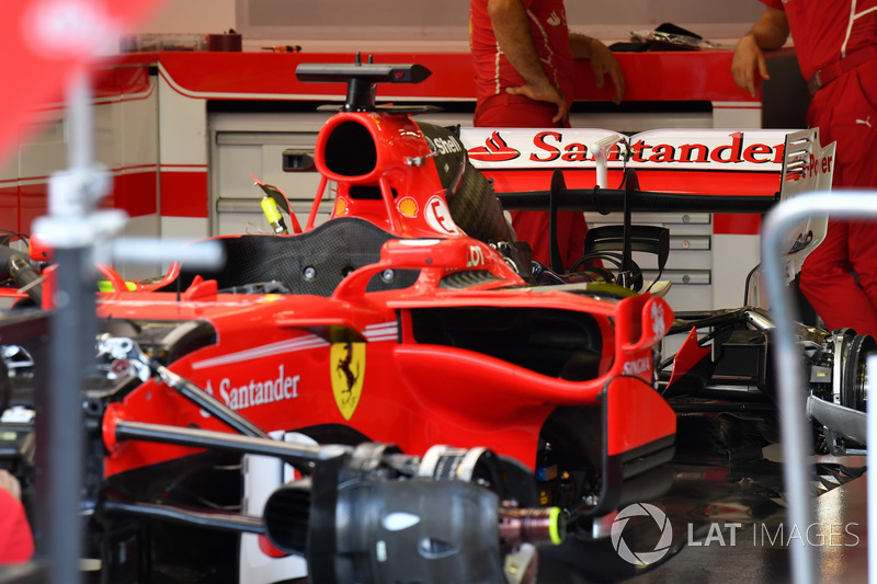 Ferrari SF70H in the garage