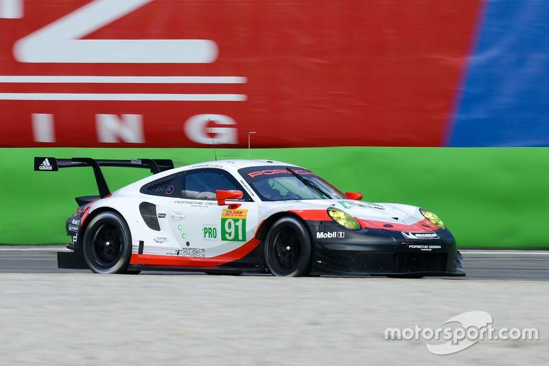 #91 Porsche Team Porsche 911 RSR: Richard Lietz, Frédéric Makowiecki