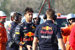 Daniel Ricciardo, Red Bull Racing RB13 stops on the circuit