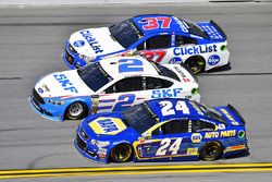 Chase Elliott, Hendrick Motorsports Chevrolet, Brad Keselowski, Team Penske Ford, Chris Buescher, JTG Daugherty Racing Chevrolet