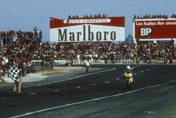 Pemenang balapan Marco Lucchinelli, Suzuki