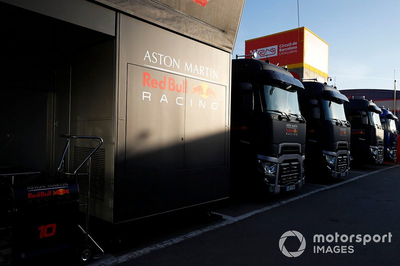 Des camions Red Bull Racing