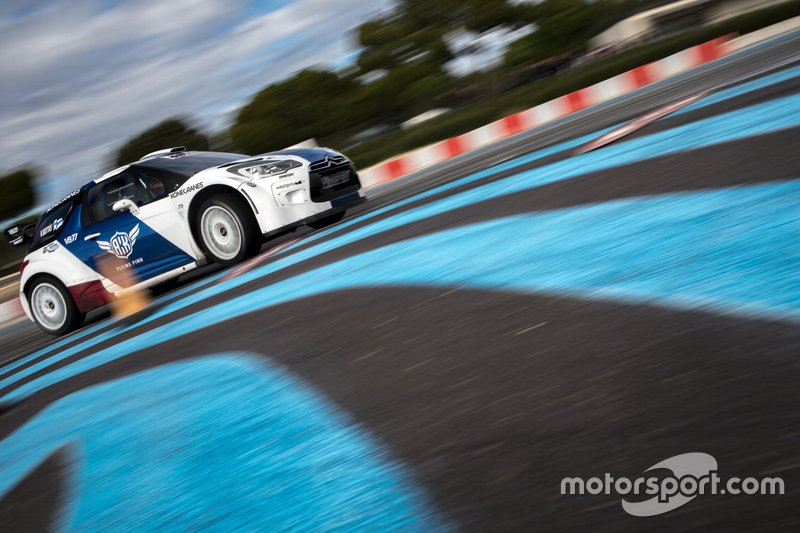 Valtteri Bottas tests at Paul Ricard