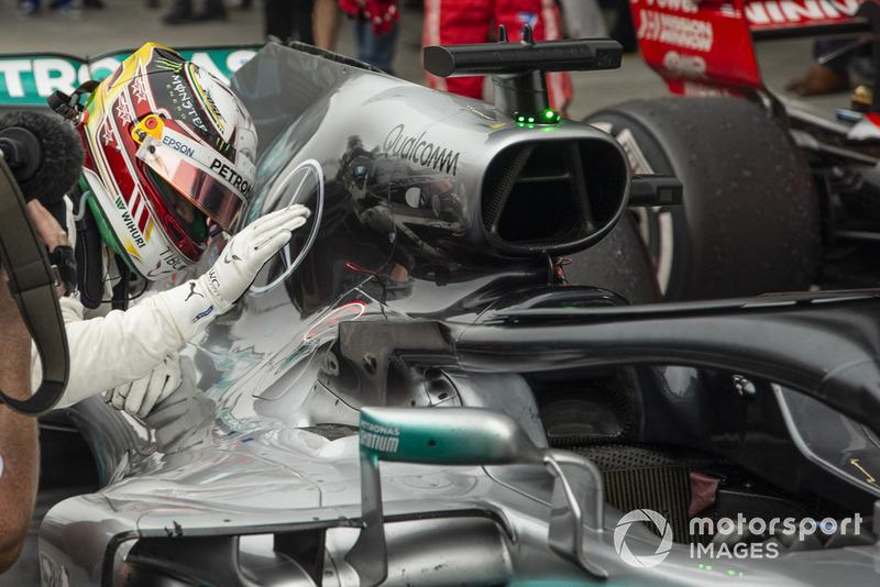 Lewis Hamilton, Mercedes-AMG F1 W09 EQ Power + celebra en el Parc Ferme