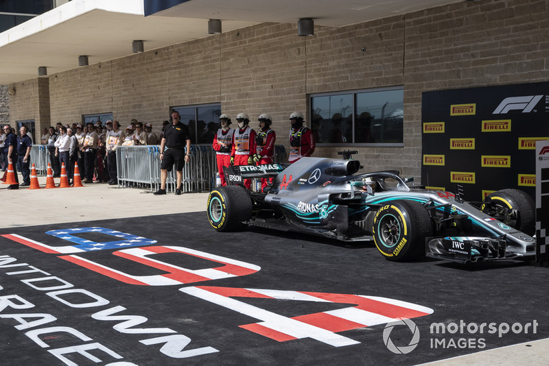 Lewis Hamilton, Mercedes AMG F1 W09 EQ Power+ en parc ferme