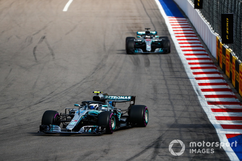 Mercedes, McLaren'a yaklaşıyor