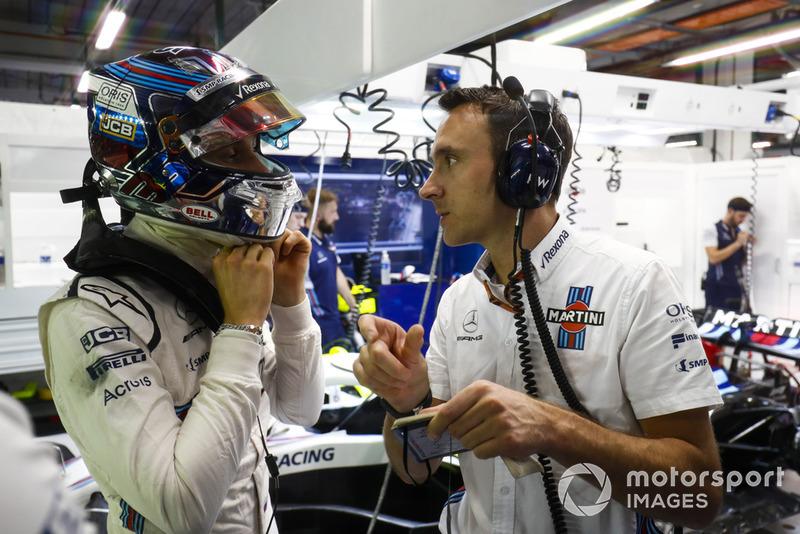 Sergey Sirotkin, Williams Racing, speaks with an engineer