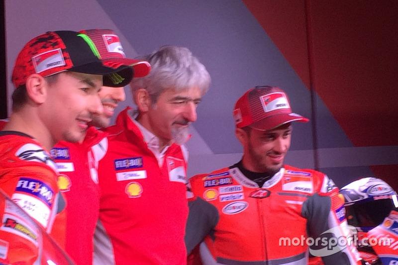 Хорхе Лоренсо, Ducati Team, Мікеле Пірро, тестовий гонщик Ducati, Джіджі Далл'Інья, генеральний дире