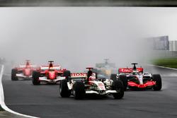 Rubens Barrichello, Honda RA106 at the start of the race