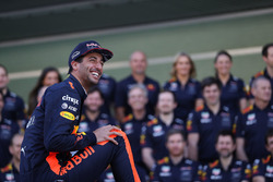 Daniel Ricciardo, Red Bull Racing en la foto del equipo Red Bull Racing