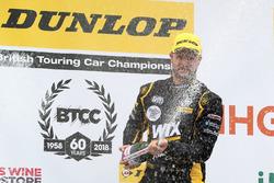 Podium: race winner Jack Goff, Eurotech Racing Honda Civic