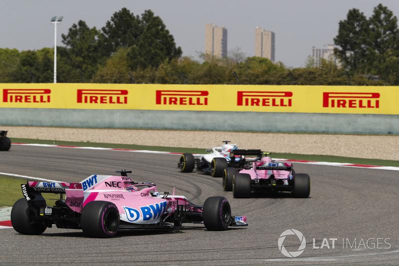 Lance Stroll, Williams FW41 Mercedes, Esteban Ocon, Force India VJM11 Mercedes, e Sergio Perez, Force India VJM11 Mercedes