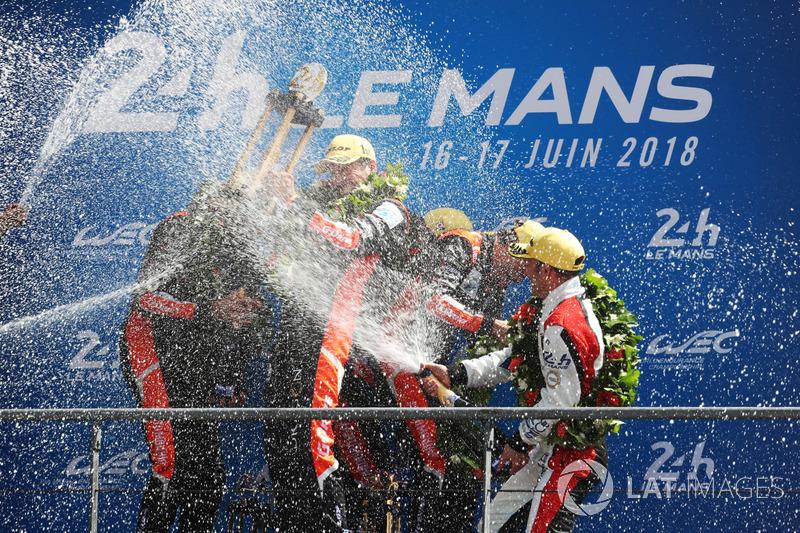LMP2 podium: winnaars Roman Rusinov, Andrea Pizzitola, Jean-Eric Vergne, G-Drive Racing