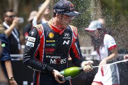 El ganador del Rally de Australia 2017, Thierry Neuville, Hyundai Motorsport