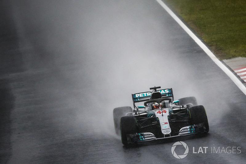В Венгрии Льюис Хэмилтон выиграл 77 поул в Формуле 1. Теперь на «Хунгароринге» у британца их шесть – на один поул меньше, чем у Михаэля Шумахера. Для Mercedes этот поул стал 94-м в качестве команды и 177-м в качестве моториста