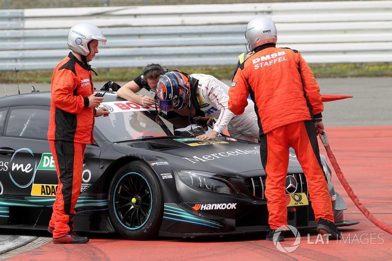 Edoardo Mortara, Mercedes-AMG Team HWA, Mercedes-AMG C63 DTM stopped on track