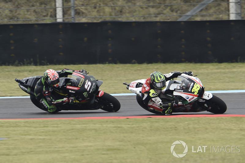 Cal Crutchlow, Team LCR Honda overtaking Johann Zarco, Monster Yamaha Tech 3