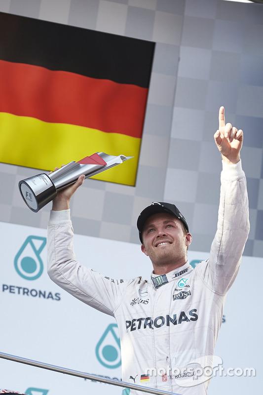 Podium : le troisième, Nico Rosberg, Mercedes AMG F1