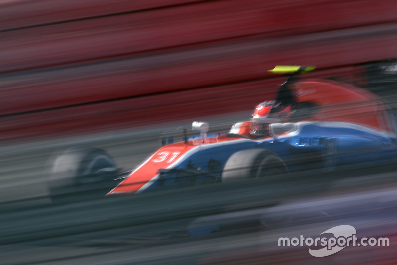 17: Esteban Ocon, Manor Racing