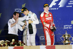 Podium: winner Nico Rosberg, Mercedes AMG F1 Team, Aldo Costa, Mercedes AMG F1 Engineering Director, second place Kimi Raikkonen, Ferrari