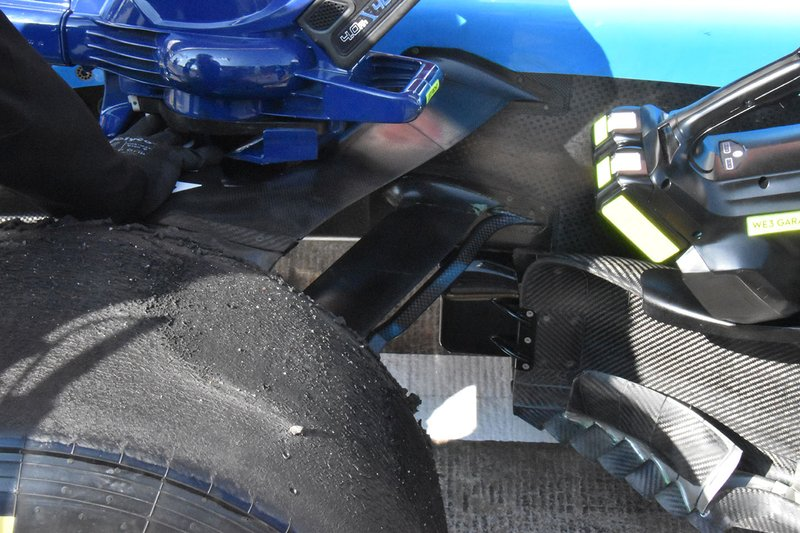 Williams FW42 front suspension detail